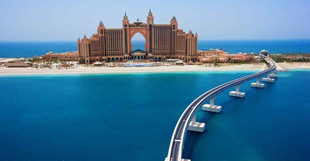Il mare di Dubai a Ferragosto